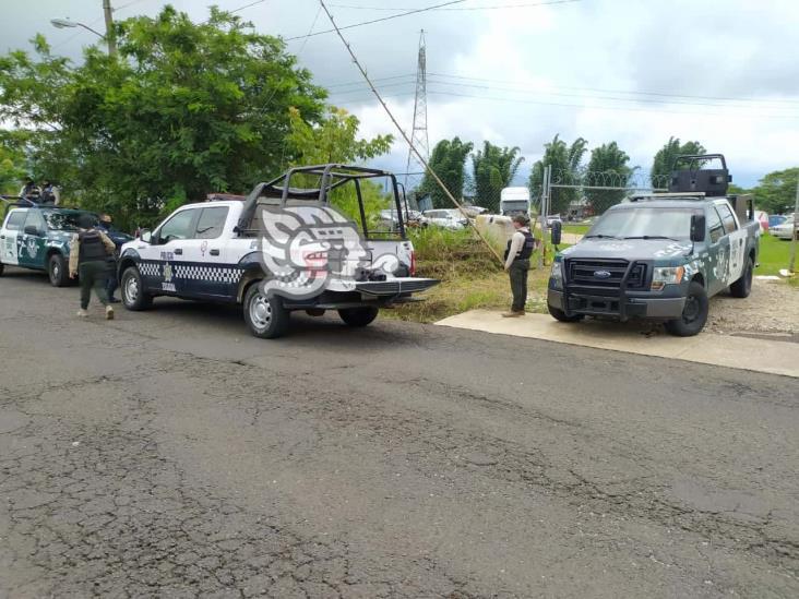 Catean corralón en Córdoba; aseguran camión robado