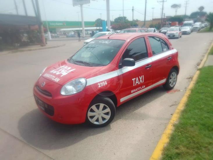 Minatitleco huye de presuntos secuestradores tras persecución en el bulevar