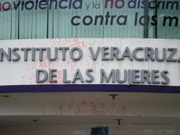 Vandalizan Instituto Veracruzano de las Mujeres