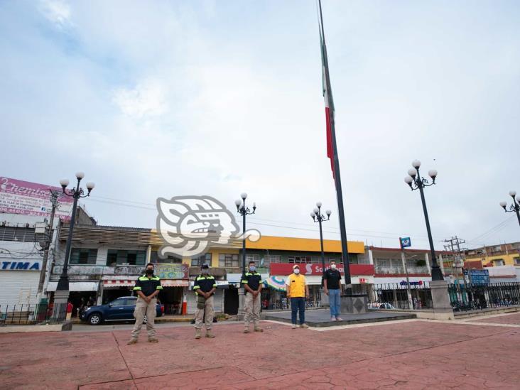Izan bandera en recuerdo de víctimas de terremoto del 85