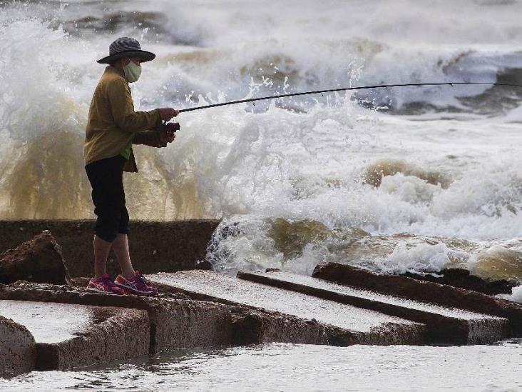 Avanza tormenta tropical Beta hacia Texas y Louisiana