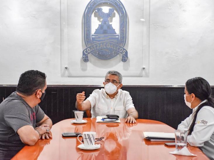 Profesionalizar el servicio público, objetivo de Víctor Carranza