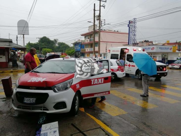 Dos taxis chocaron en la colonia Benito Juárez Norte