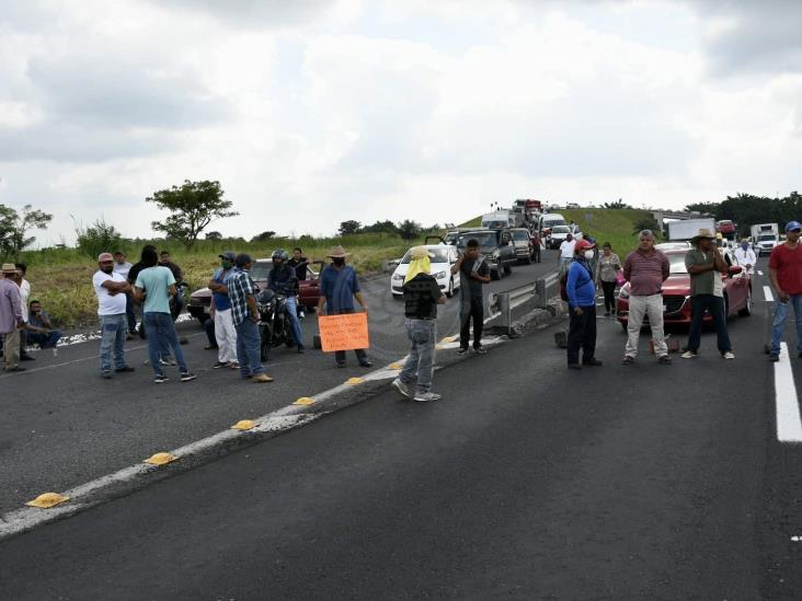 Desquician la Xalapa-Veracruz; acusan altos cobros de CFE