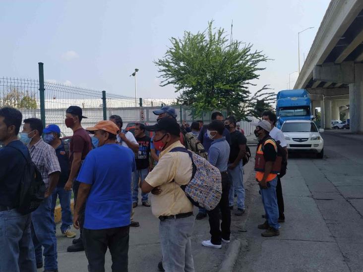 Cerca de 300 obreros realizan plantón en CPG