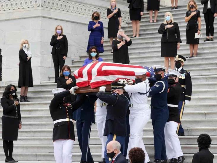 Entre lágrimas despiden a jueza Ginsburg; hace historia en el Capitolio