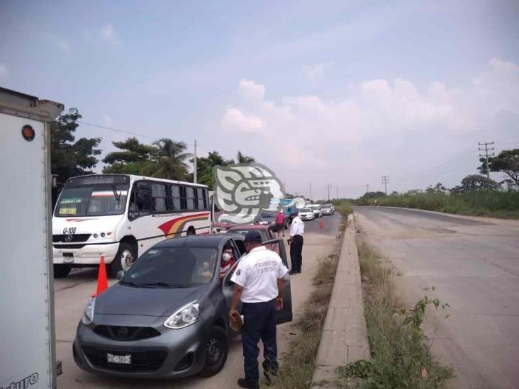 Endurecen operativos de tránsito en accesos a Mina y Cosolea