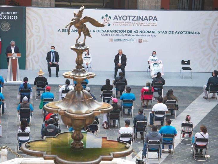 Por Ayotzinapa, hay órdenes de aprehensión contra militares: Obrador