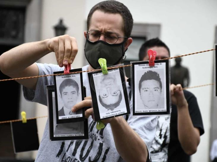Recuerdan en Xalapa a los 43 normalistas de Ayotzinapa
