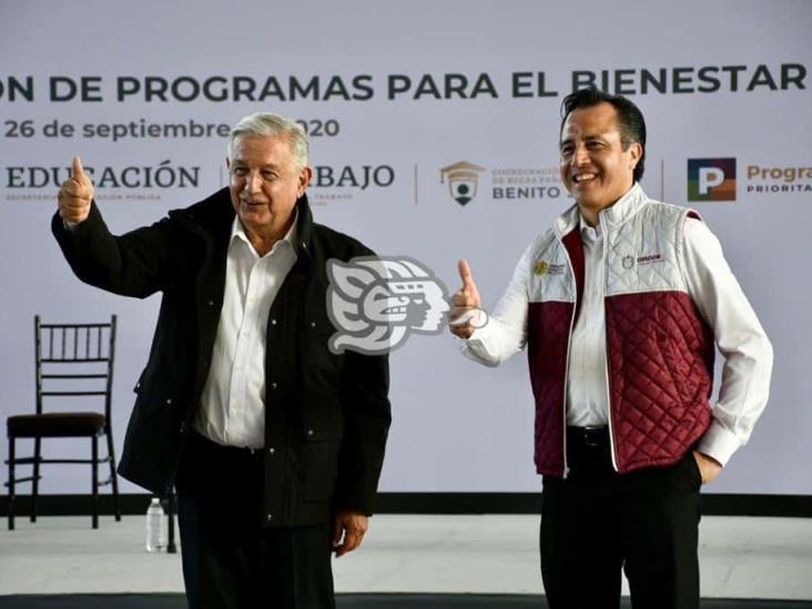Cuitláhuac nos aligera la carga al gobernar bien Veracruz: AMLO