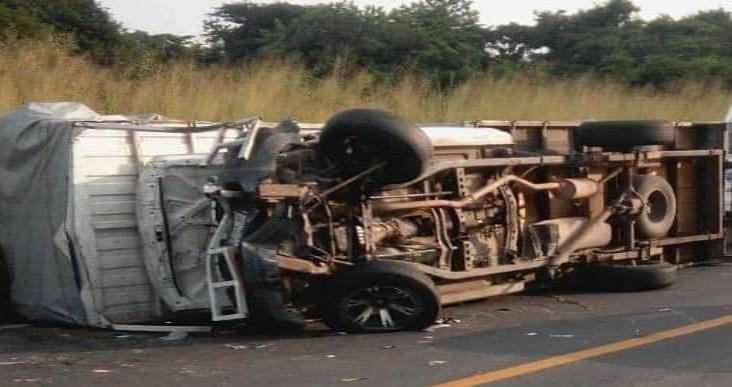 Fuerte accidente en carretera deja tres personas lesionadas
