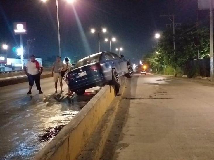 En Veracruz, se registra fuerte accidente en puente bicentenario