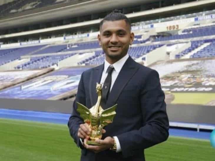 ´Tecatito´ Corona, galardonado como mejor jugador del año del Porto