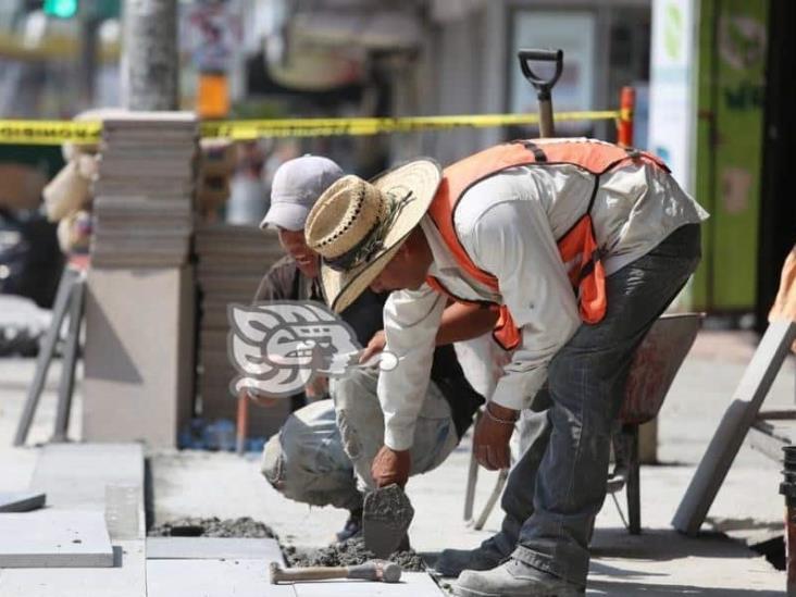 México recuperó 210 mil empleos entre agosto y septiembre: AMLO