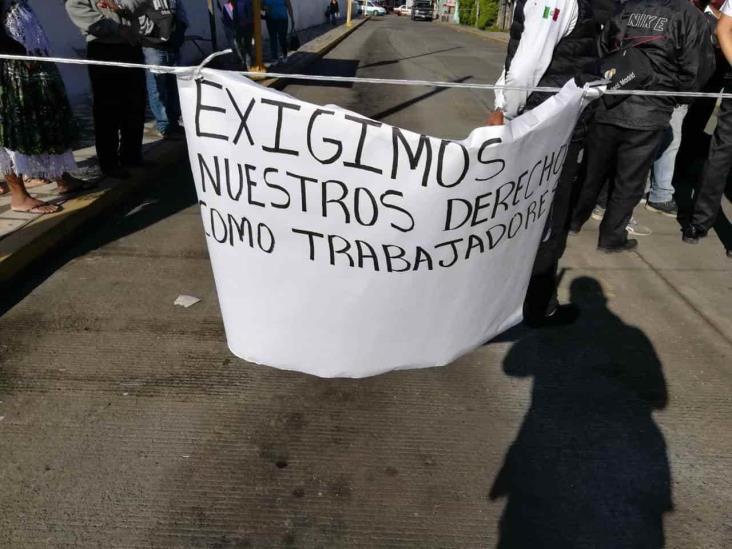 Ante despidos injustificados, choferes se manifiestan en Ixhuatlancillo