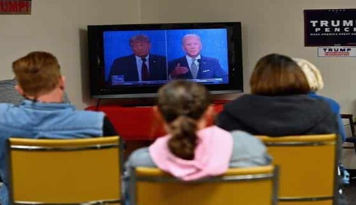 Comisión cambia reglas tras caótico debate entre Trump y Biden