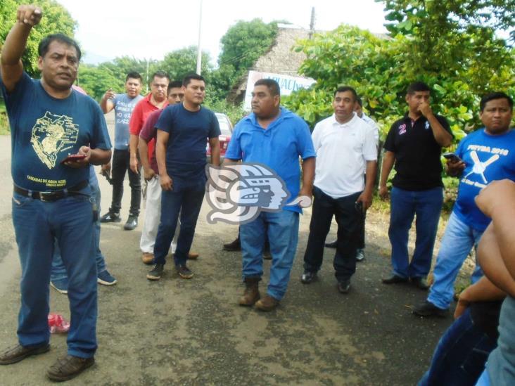 Se quejan de anarquía en el transporte público de Mecayapan