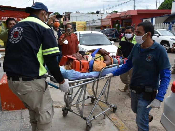Tráiler arrolla a empleados de Capufe en autopista Acayucan-Minatitlán