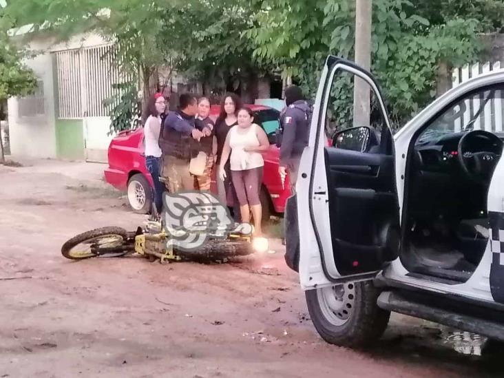 En Minatitlán, ebrio motociclista evadió retén policíaco