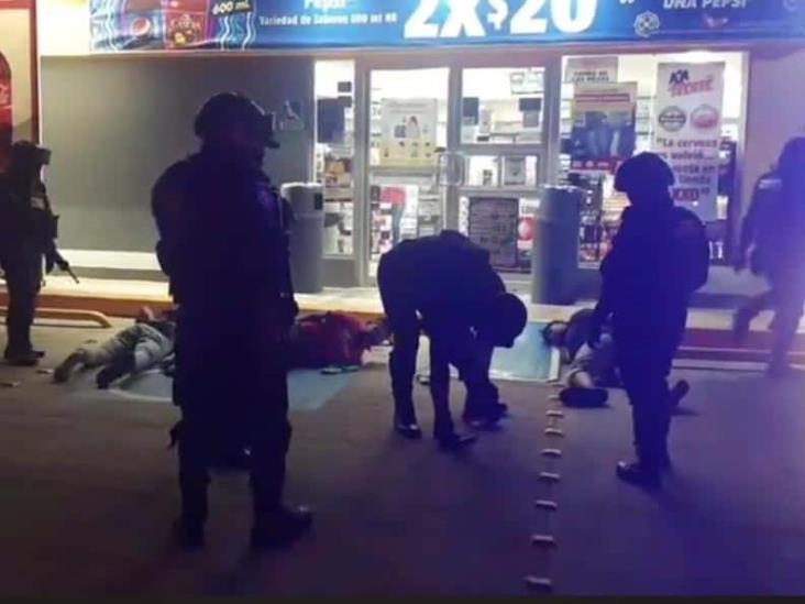 Tras asalto a Oxxo en Coatzacoalcos, detienen a dos jóvenes por error