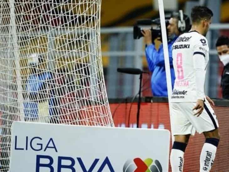 Andrés Iniestra se disculpa en redes tras el penalti y la expulsión