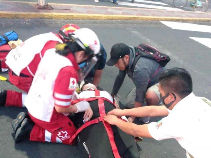 Accidente de motocicleta en Nogales deja a una mujer herida