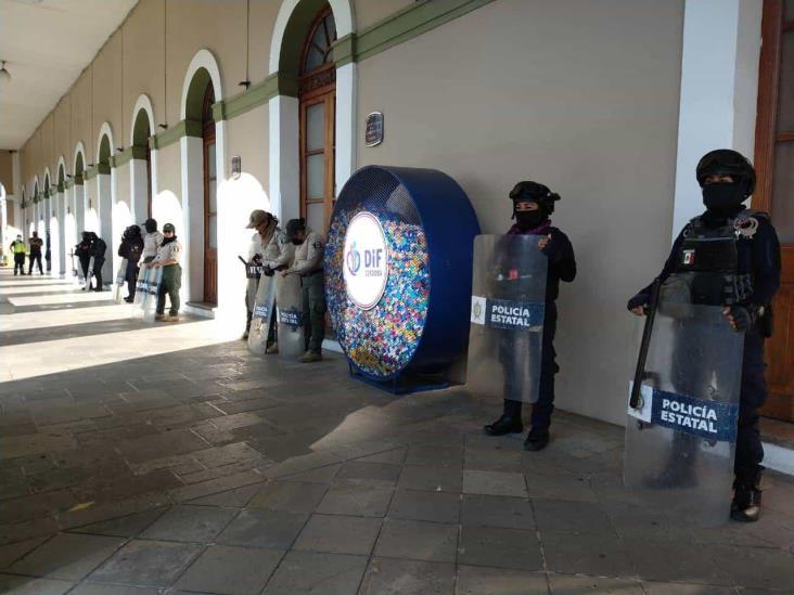 Antimotines resguardan Palacio de Córdoba