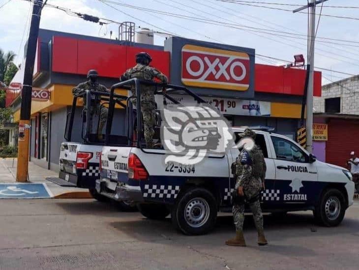 Por enésima ocasión, consuman robo en Oxxo de Acayucan