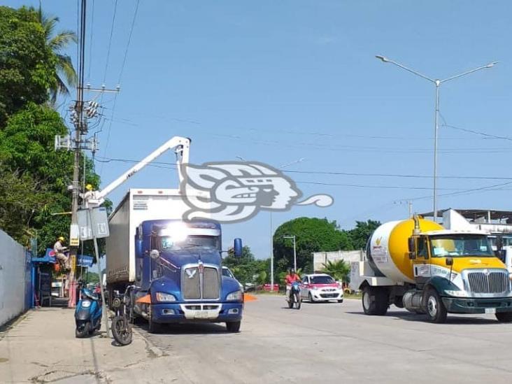 Por problemas con CFE, negocios de Minatitlán bajan sus cortinas