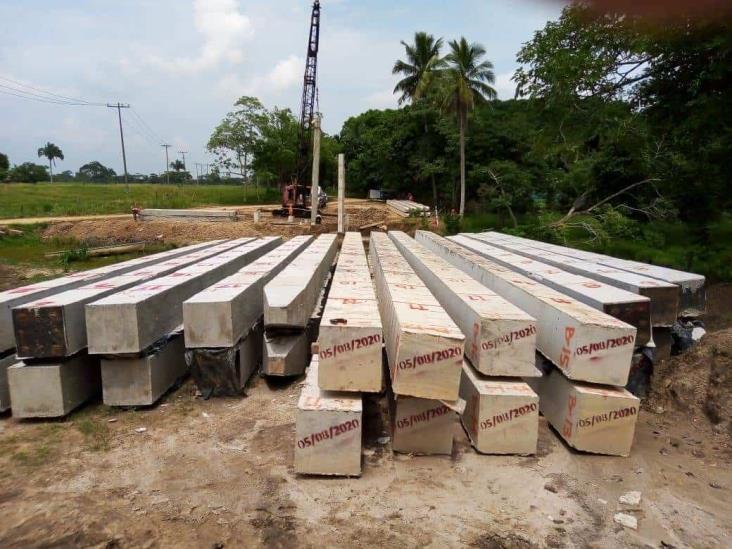 Continúan trabajos en construcción de Puente La Lagunilla