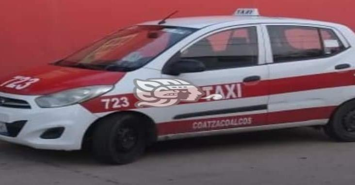 A punta de pistola roban el taxi 723 en Coatzacoalcos
