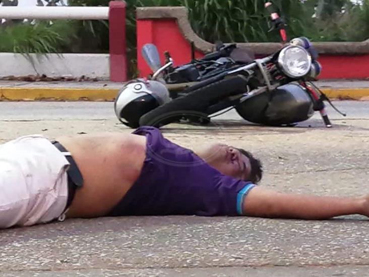 Fallece motociclista tras aparatoso accidente en Coatzacoalcos
