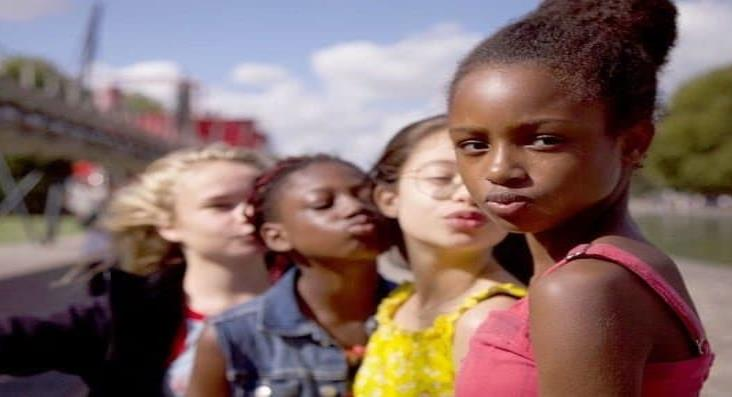 Película de Netflix se va a juicio por pornografía infantil