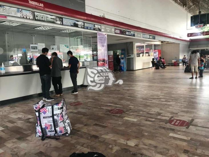 Por huracán, suspenden corridas de Acayucan a Cancún