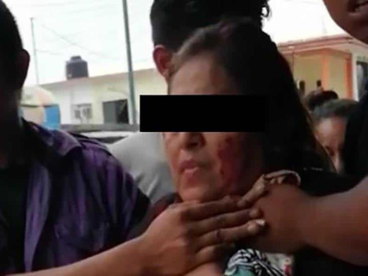 Atacan a balazos a líder del mercado de Cosoleacaque