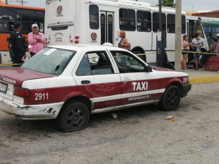 Atacan a balazos al conductor del taxi 2911 en Coatzacoalcos