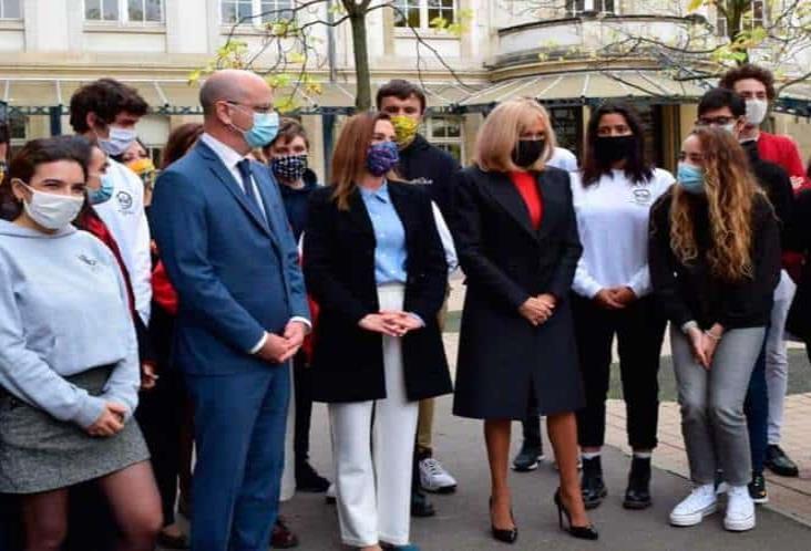 Realizan Gutiérrez Müller y Brigitte Macron lectura pública en Francia