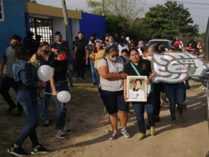 Dedican doloroso y conmovedor cortejo fúnebre a Ángel Ricardo