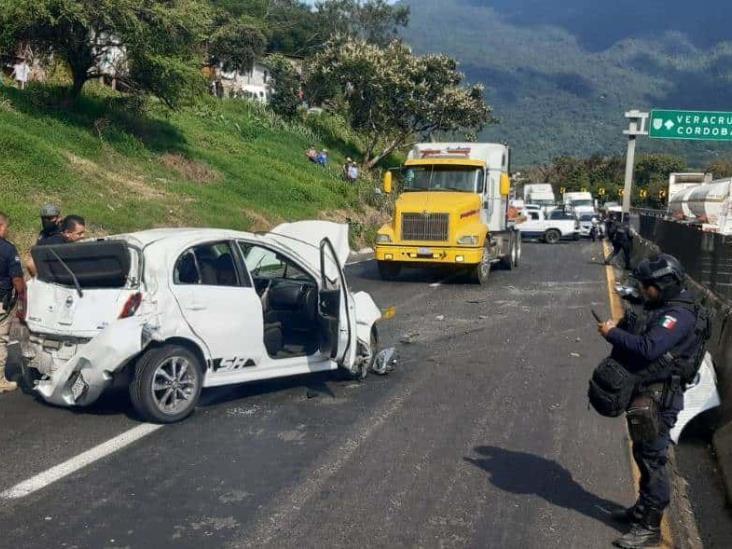 Policontundido, tras volcadura en la autopista Córdoba- Puebla