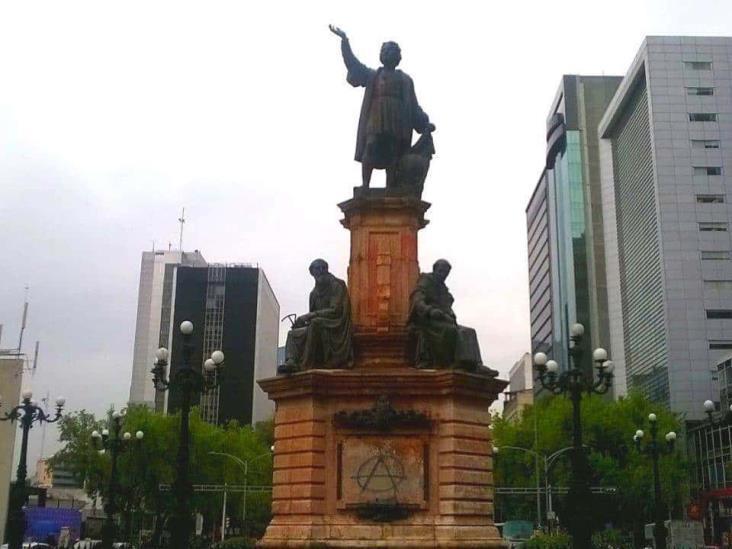 Retiro de estatua de Cristóbal Colón en Reforma, por restauración: AMLO