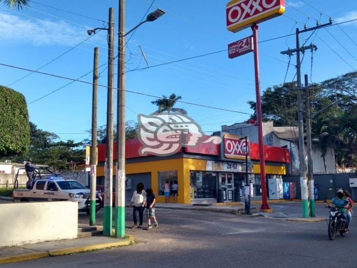 Dos robos en tiendas de conveniencia en Acayucan