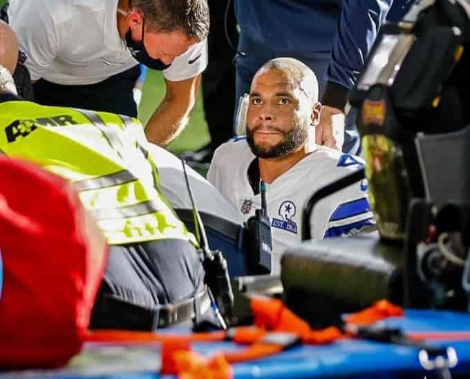 Dak Prescott superó cirugía de tobillo tras grave fractura