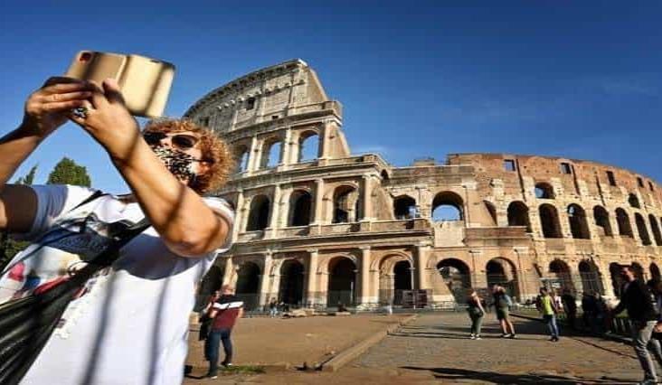 Endurece Italia restricciones en lucha contra el Covid