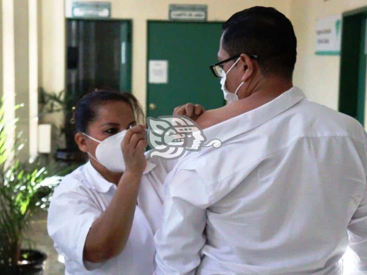 Distribuyen más de 250 mil vacunas en las UMF de la zona sur de Veracruz