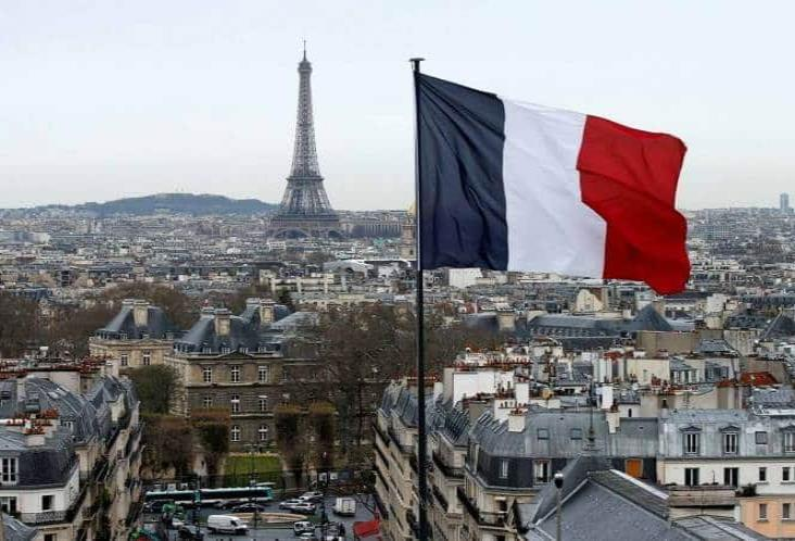 Toque de queda en París y otras ciudades de Francia