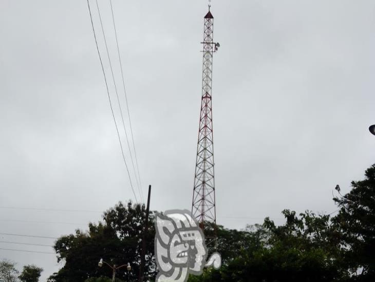 Habitantes de la sierra Santa Martha piden antena de telefonía celular