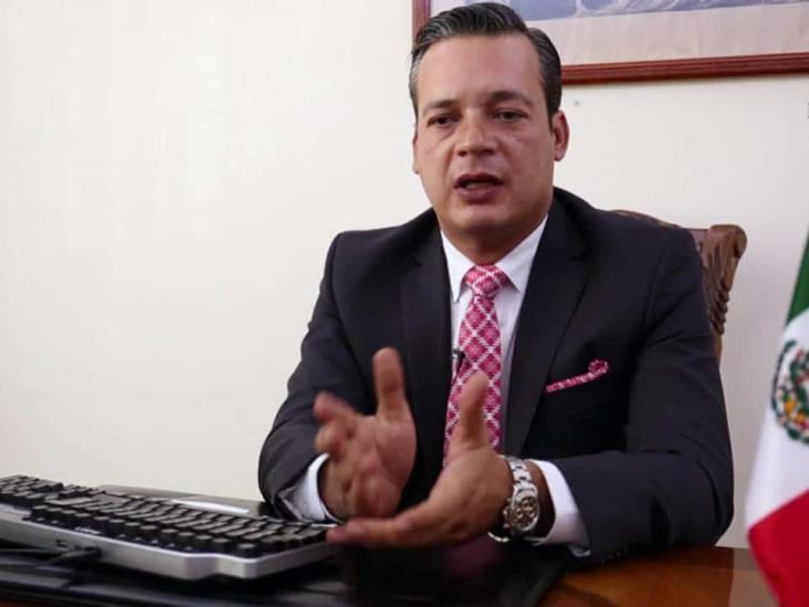 Investiga EU a diez generales mexicanos: César Gutiérrez