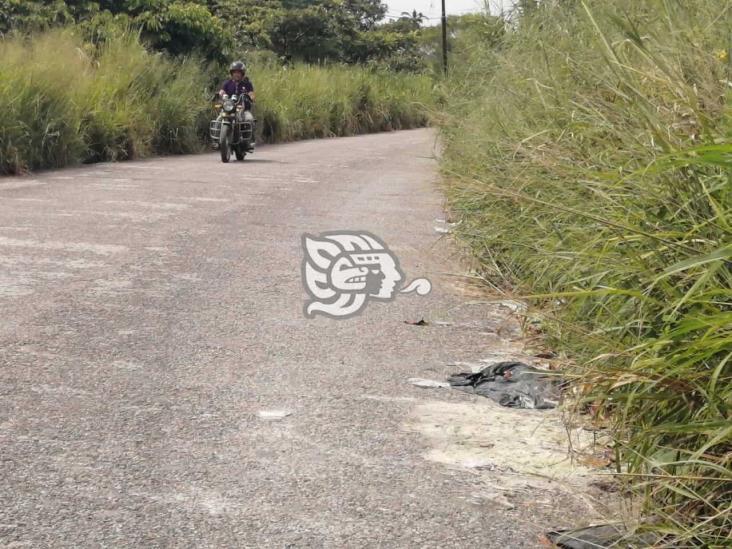 Carretera de Mundo Nuevo convertida en depósito de desechos