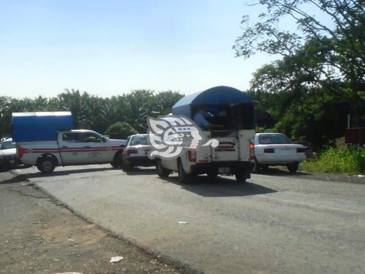 Trabajadores del Mixto Rural llegan a acuerdo con taxistas de Cosoleacaque