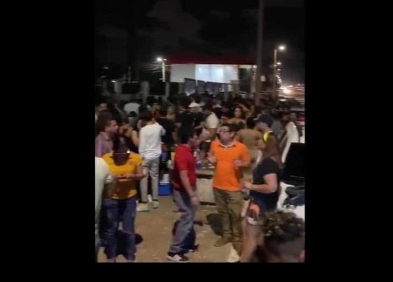Fiesta, alcohol y golpes en el Malecón de Coatzacoalcos, en plena contingencia